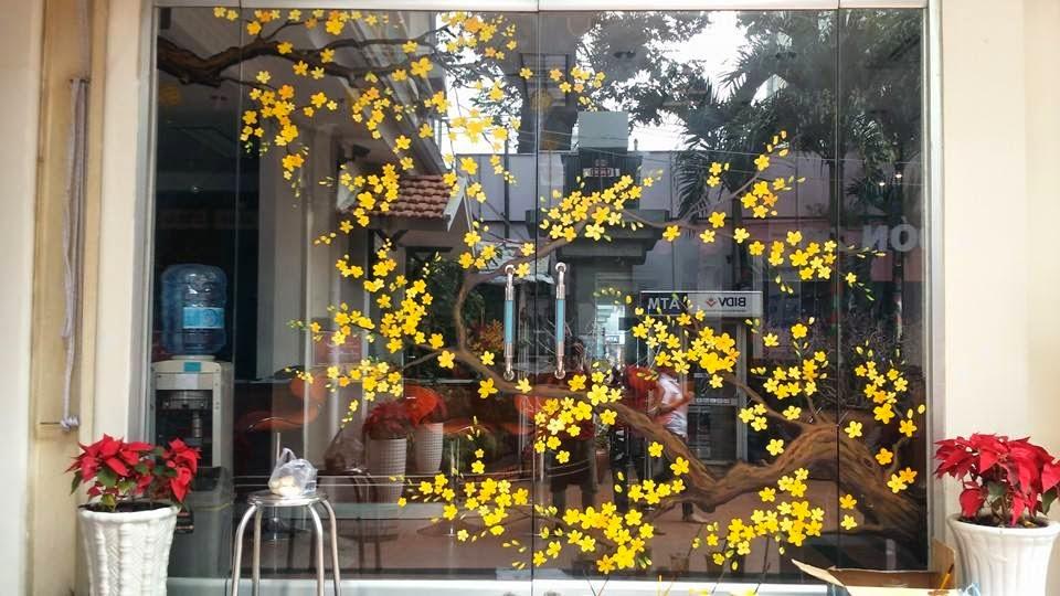 Image result for Trang trí phòng làm việc ngày tết bằng hoa văn, decal